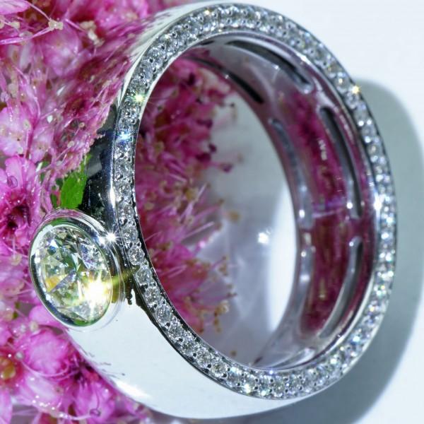 Magnific Diamond Ring 0.44 ct / IGI certificate...handmade in Italy 18kt whitegold
