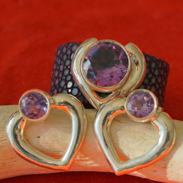 Set:Amethyst Rochenleder Ring und passende Ohrstecker in 925er Silber Brombeerfarben