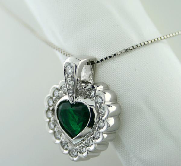 Smaragd Brillant Anhänger Platin 1.41 ct Herzform 0.59 ct Brillanten TW VS