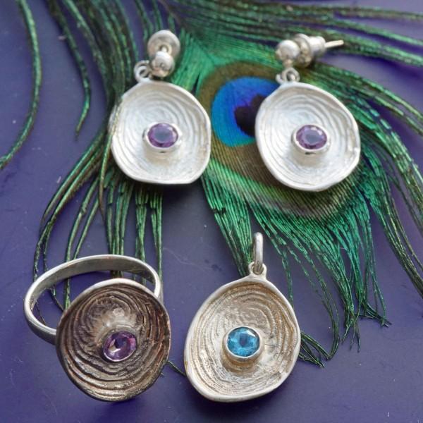 Set:Amethyst Ring und passende Ohrhänger in 925er Silber oval Handarbeit